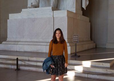 Ve Washingtonu DC, před slavnou sochou A. Lincolna