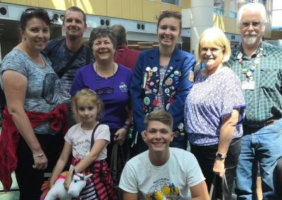 Loučení se na letišti (zleva mamka, taťka, country officer pro Česko Barbara, já, host mamka, country officer pro Brazílii, moje sestra a Thiago z Brazílie)