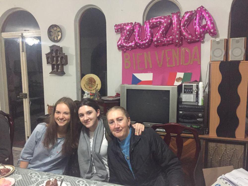 Rodinná oslava – se sestřenicí a tetou