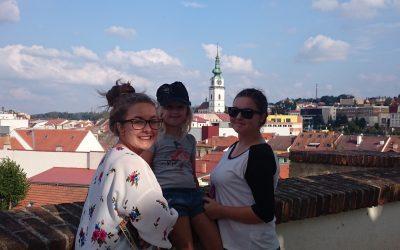 Host-rodina aneb jak jsme ke třem dcerám přišli