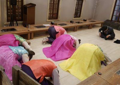 Tradičné oblečenie - Hanbok a poklona na Lunárny Nový Rok