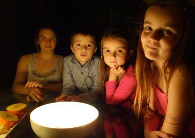 Vánoční lití z olova aneb jak se slaví Vánoce v ČR