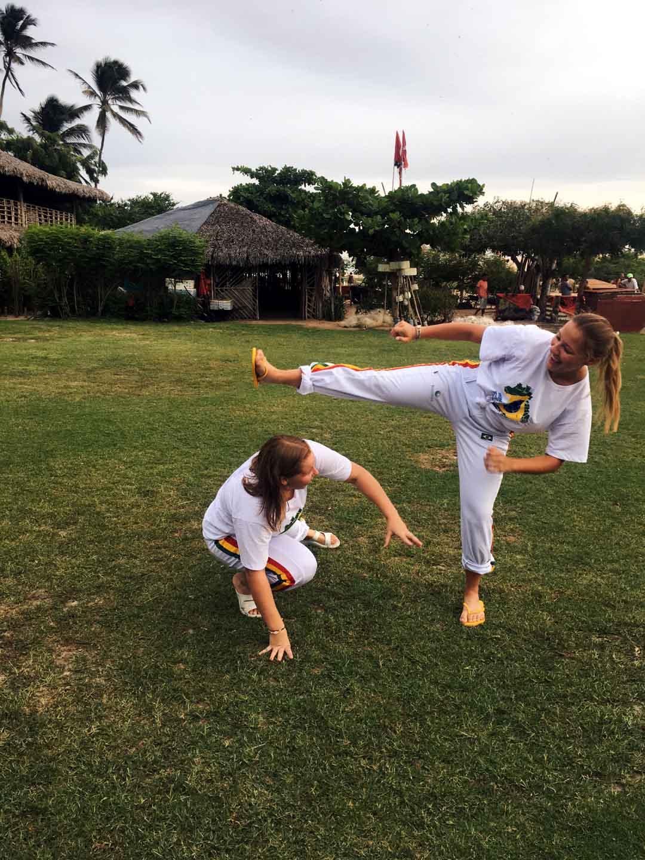 Capoeira, bojový tanec, který do Brazílie přivezli otroci z Afriky