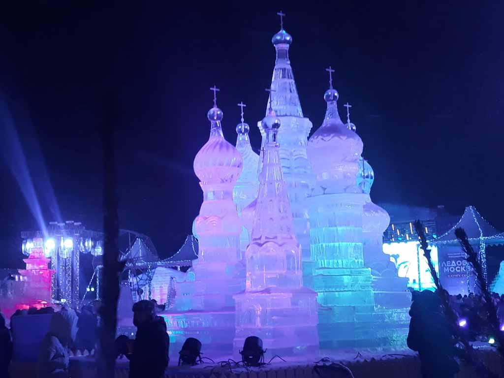 Ľadová socha v Moskve