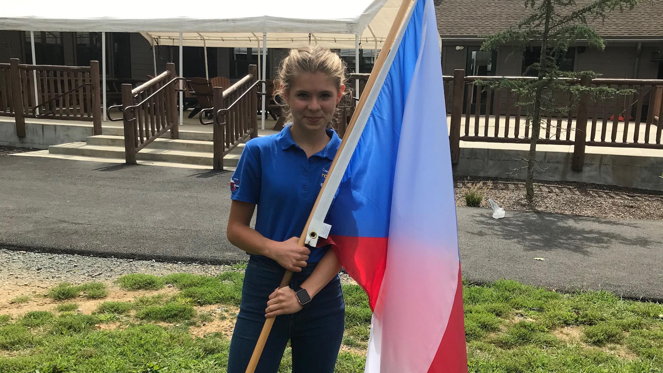 S českou vlajkou